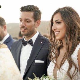 Ο Κώστας Κυρανάκης γαμπρός! Ο ρομαντικός γάμος στην Κύθνο & η γοητευτική δικηγόρος νύφη με το υπέροχο νυφικό (Φωτό & Βίντεο)  - Κυρίως Φωτογραφία - Gallery - Video
