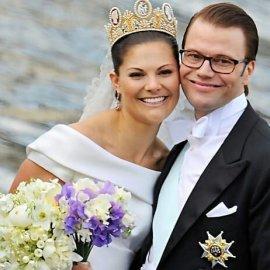 Ήταν ο γυμναστής της τον ερωτεύτηκε & τώρα θα γίνει Βασιλιάς - Ο Πρίγκιπας Daniel, 47 ετών, παντρεύτηκε την διάδοχο του θρόνου της Σουηδίας (φωτό) - Κυρίως Φωτογραφία - Gallery - Video