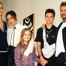 Οικογένεια Beckham σε φθινοπωρινή εκδοχή: Τα αγόρια μια χαρά, το κοριτσάκι γιατί το ντύνουν μαντάμ; (φωτό) - Κυρίως Φωτογραφία - Gallery - Video
