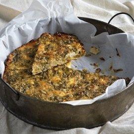 Μια υπέροχη και εύκολη συνταγή από τον Άκη Πετρετζίκη: Πρασόπιτα χωρίς φύλλο - Κυρίως Φωτογραφία - Gallery - Video