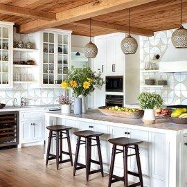 Μοντέρνες κουζίνες με κάθε λογής πλακάκια, για να κλέψετε ιδέες - Κλασικό λευκό, σχέδια ή ζωηρά χρώματα (φωτό) - Κυρίως Φωτογραφία - Gallery - Video