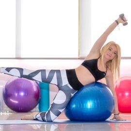 Η Pilates instructor Μαρία Μαραγιάννη συμβουλεύει πώς να χάσουμε & να πετύχουμε σύσφιξη του σώματος με κοιλιακούς & fit ball (φώτο) - Κυρίως Φωτογραφία - Gallery - Video