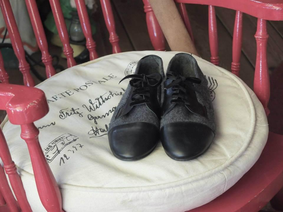 7b6af29423 Made in Greece χειροποίητα ελληνικά παπούτσια που κάνουν θραύση στο ...